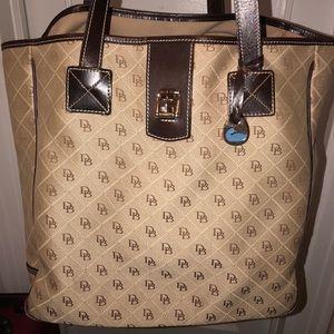 Gorgeous Large Dooney & Bourke Tote Bag